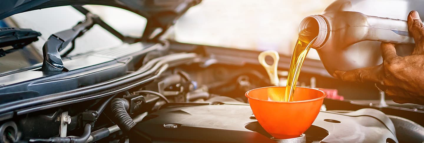 Oil change service and auto repair in Honolulu