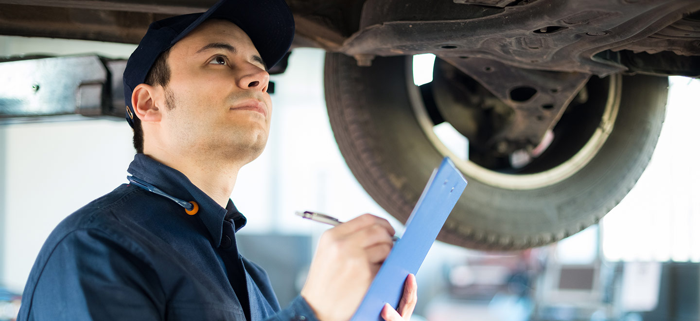 Wright Honda offers auto repair and oil change service near Fairmont, WV.