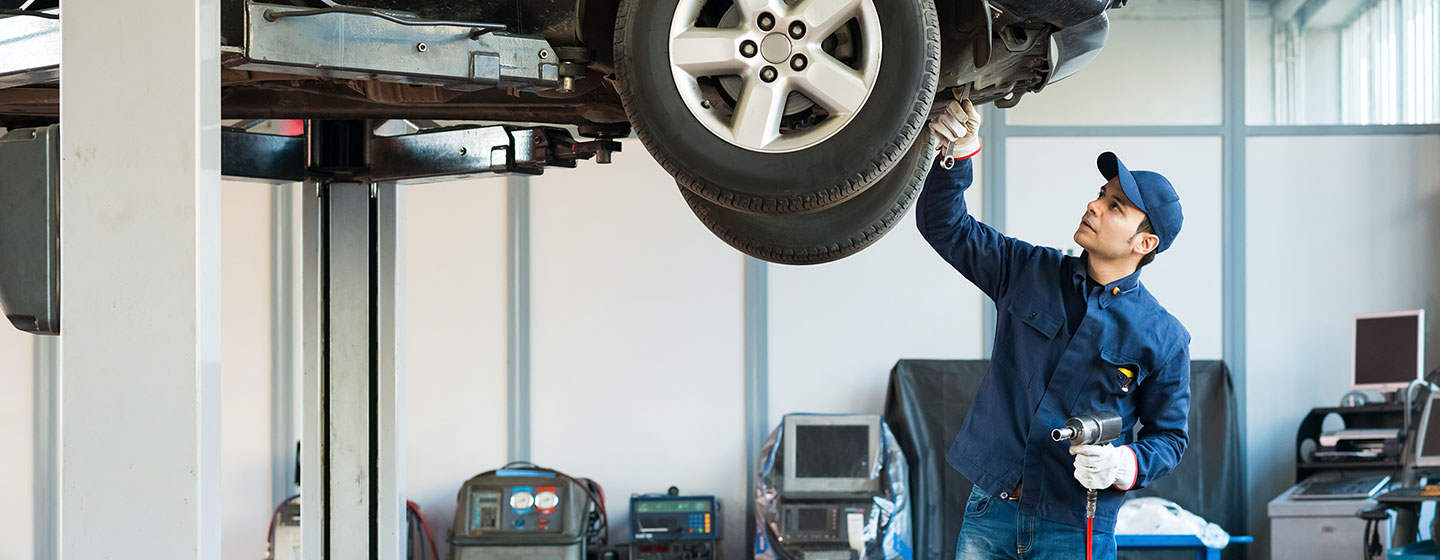 DELLA Subaru offers quality auto repair and oil change service in Plattsburgh, NY