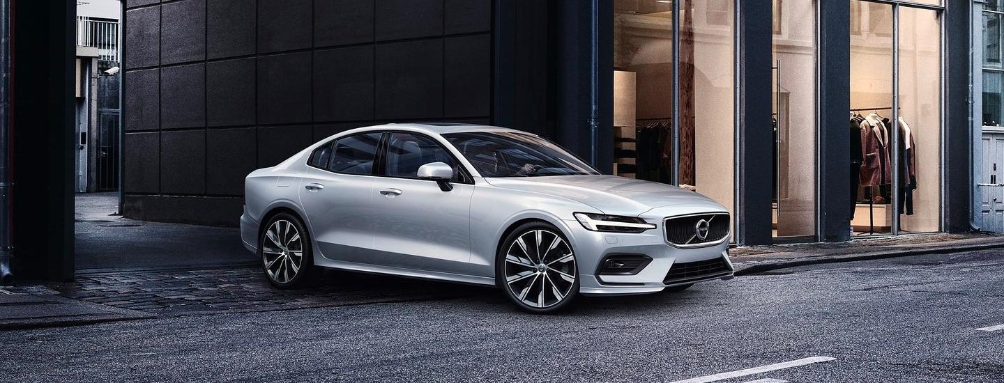 Passenger front view of the 2020 Volvo S60