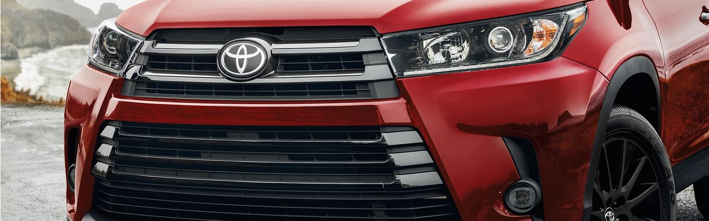 2020 Toyota Highlander front grille