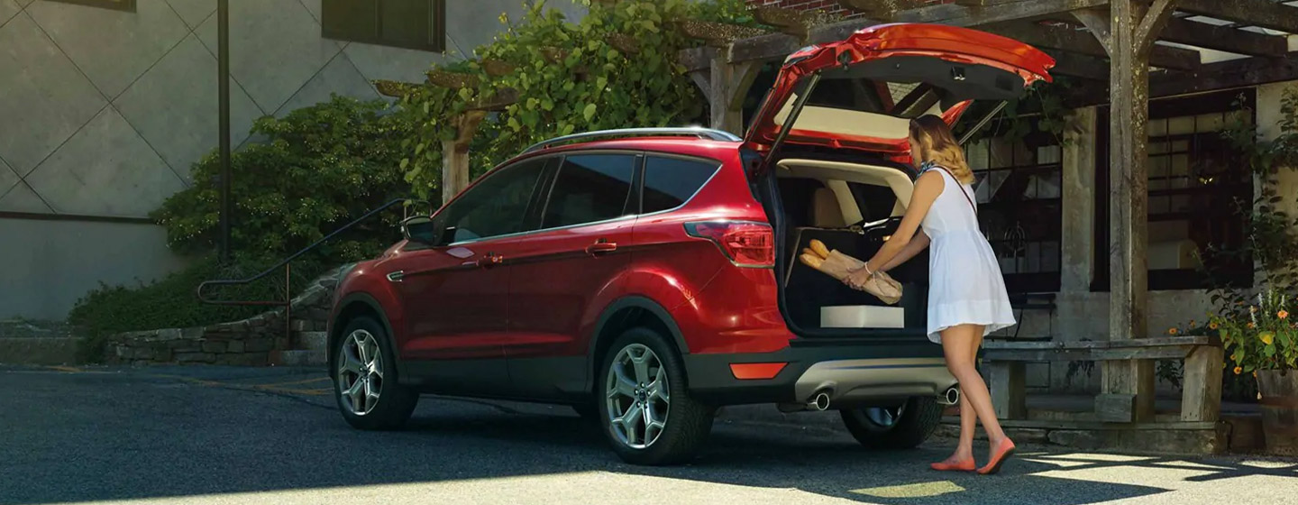 2019 Ford Escape rear view unloading tailgate.