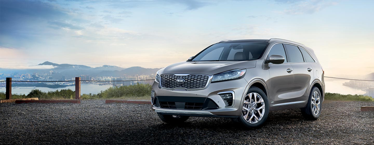 2019 Kia Sorento front view parked at scenic overlook.