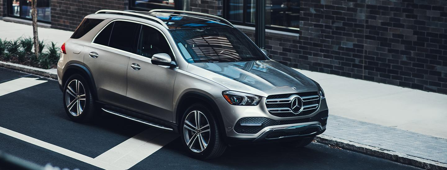 Passenger side profile of the 2020 GLE