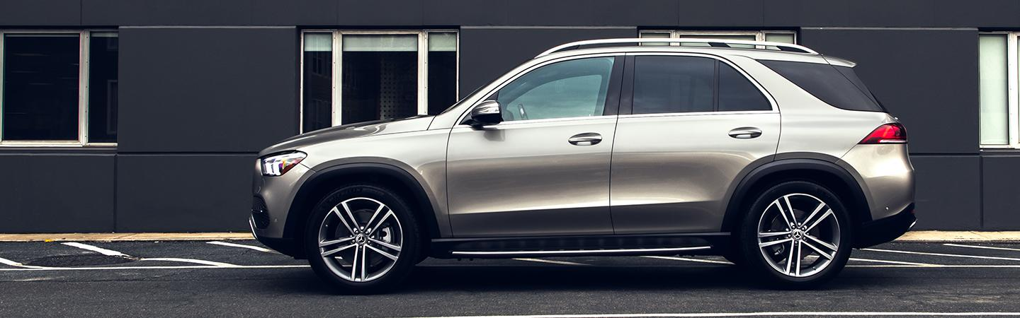 Driver side profile view of the 2020 GLE