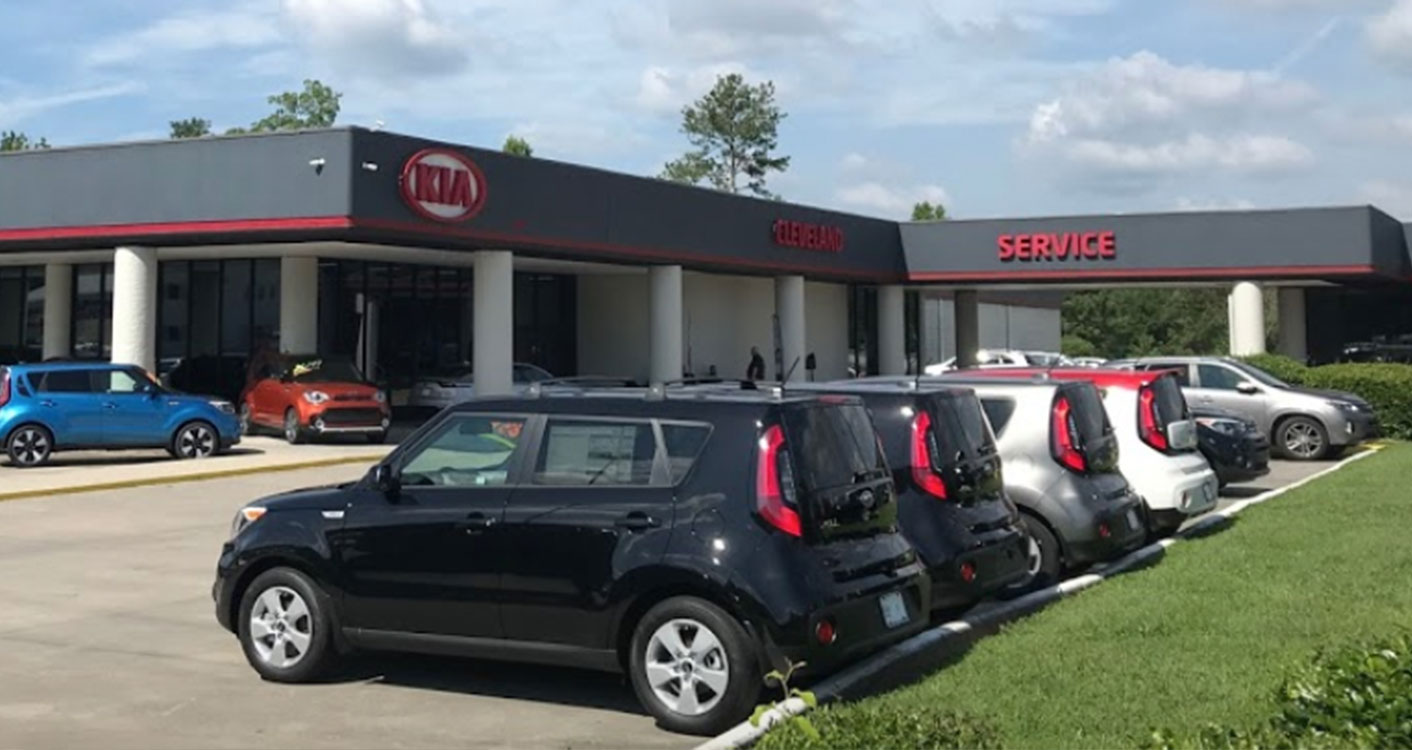 Picture of cars for sale under $10k at Spitzer Kia dealership in Cleveland.