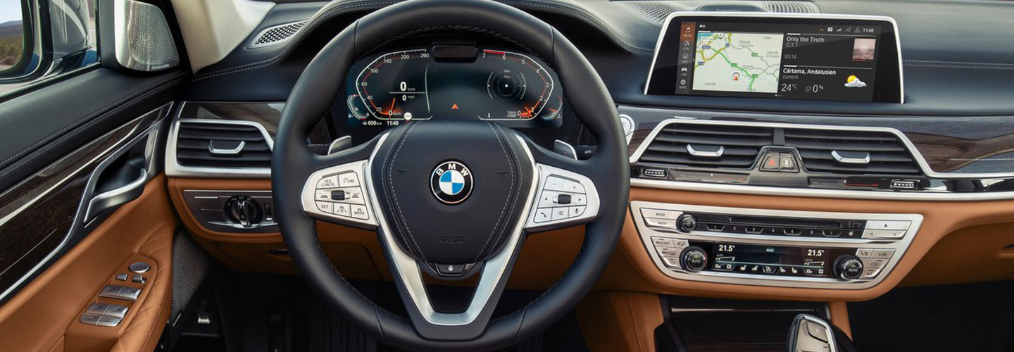 Interior and technology features of the 2020 BMW 7 Series at Santa Monica BMW