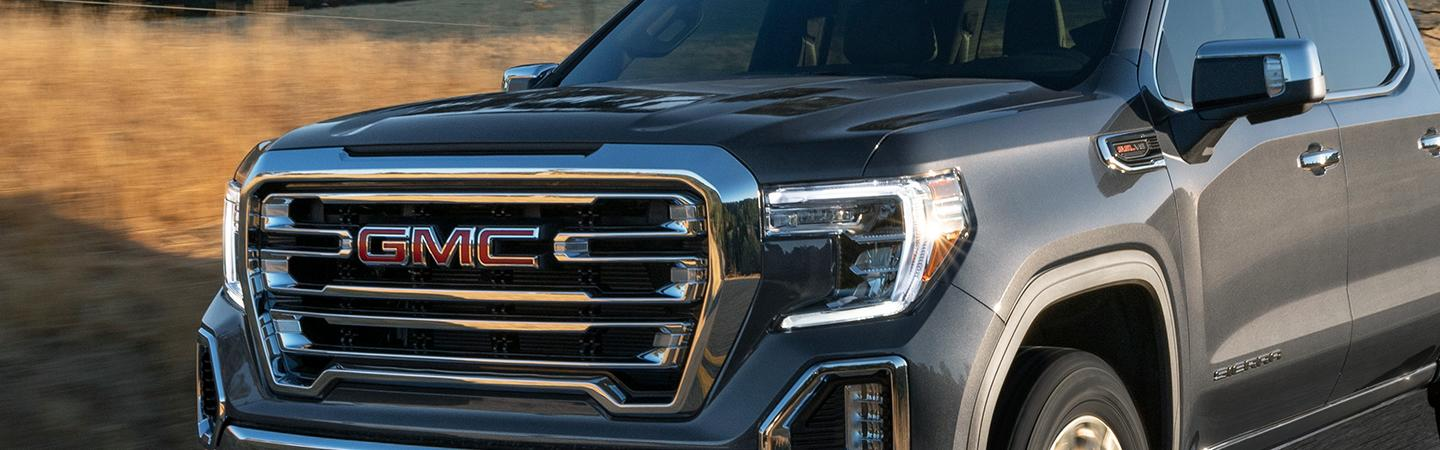 close-up front grill area of 2021 GMC Sierra 1500