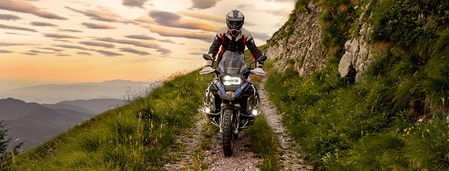 Front view of the 2020 BMW R 1250 GS on the side of a mountain