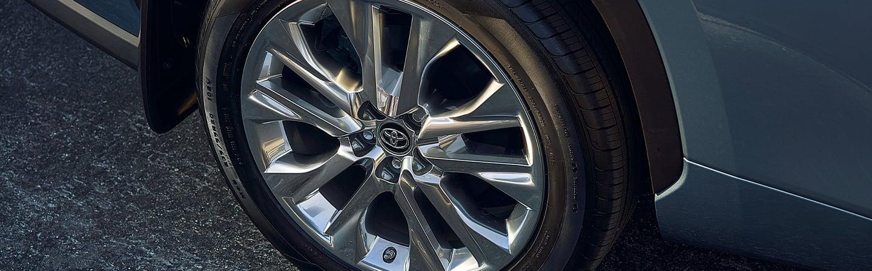 2020 Toyota Highlander tire