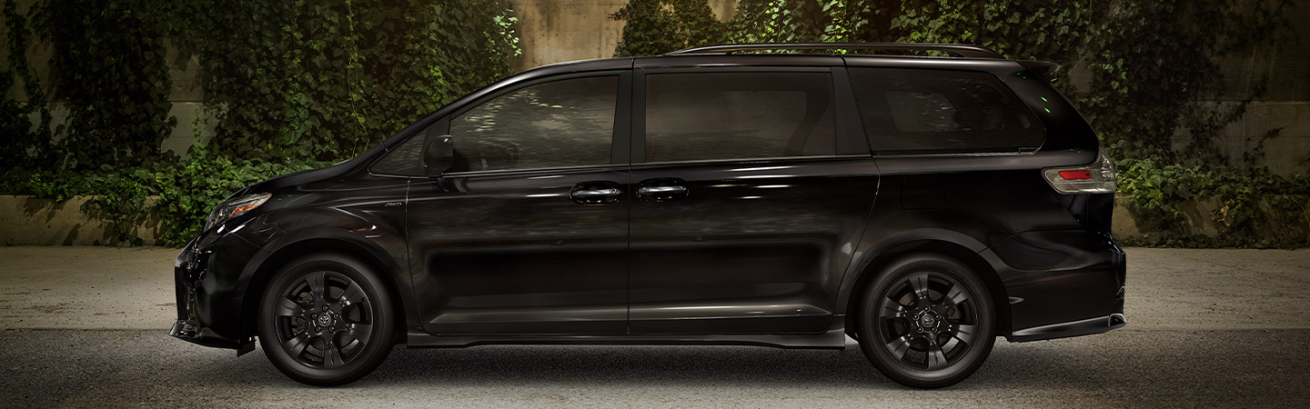 Side profile image of the 2020 Toyota Sienna