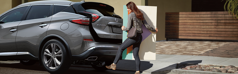 Nissan Murano trunk showcase