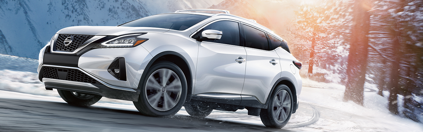 Nissan Murano in motion
