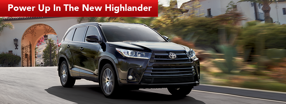 Exterior of the 2017 Highlander at Lipton Toyota serving Fort Lauderdale