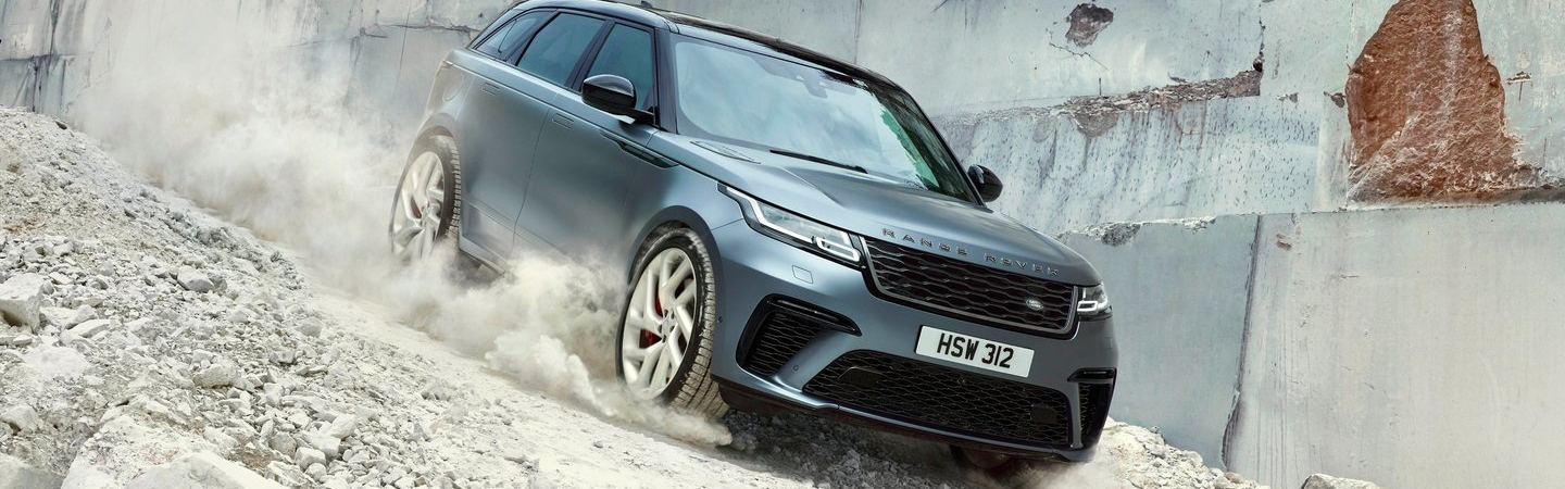 Side view of the 2020 Land Rover Range Rover off roading
