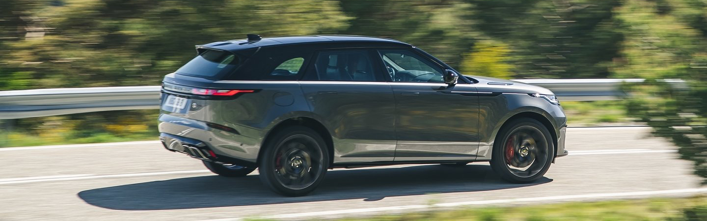 Side view of the 2020 Land Rover Range Rover in motion