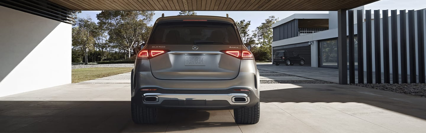 Rear view of the 2020 Mercedes-Benz GLE
