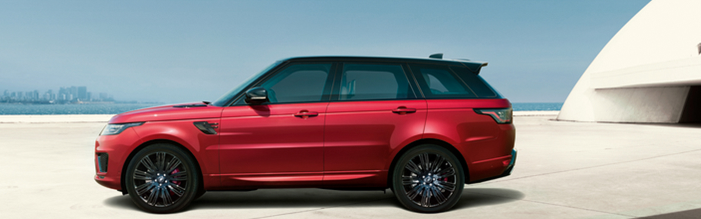 Side view of the 2020 Range Rover Sport in motion