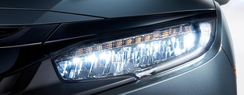 2019 Honda Civic headlight view.