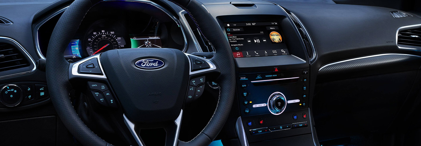 Interior & technology features of the 2019 Ford Edge available at our Kalamazoo car dealership