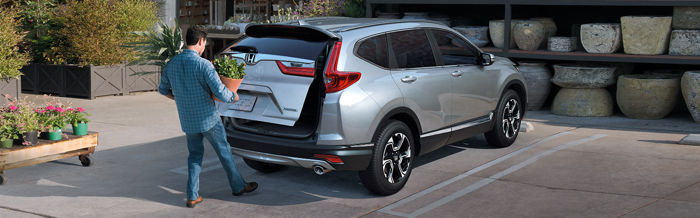 2019 Honda CR-V trunk opening