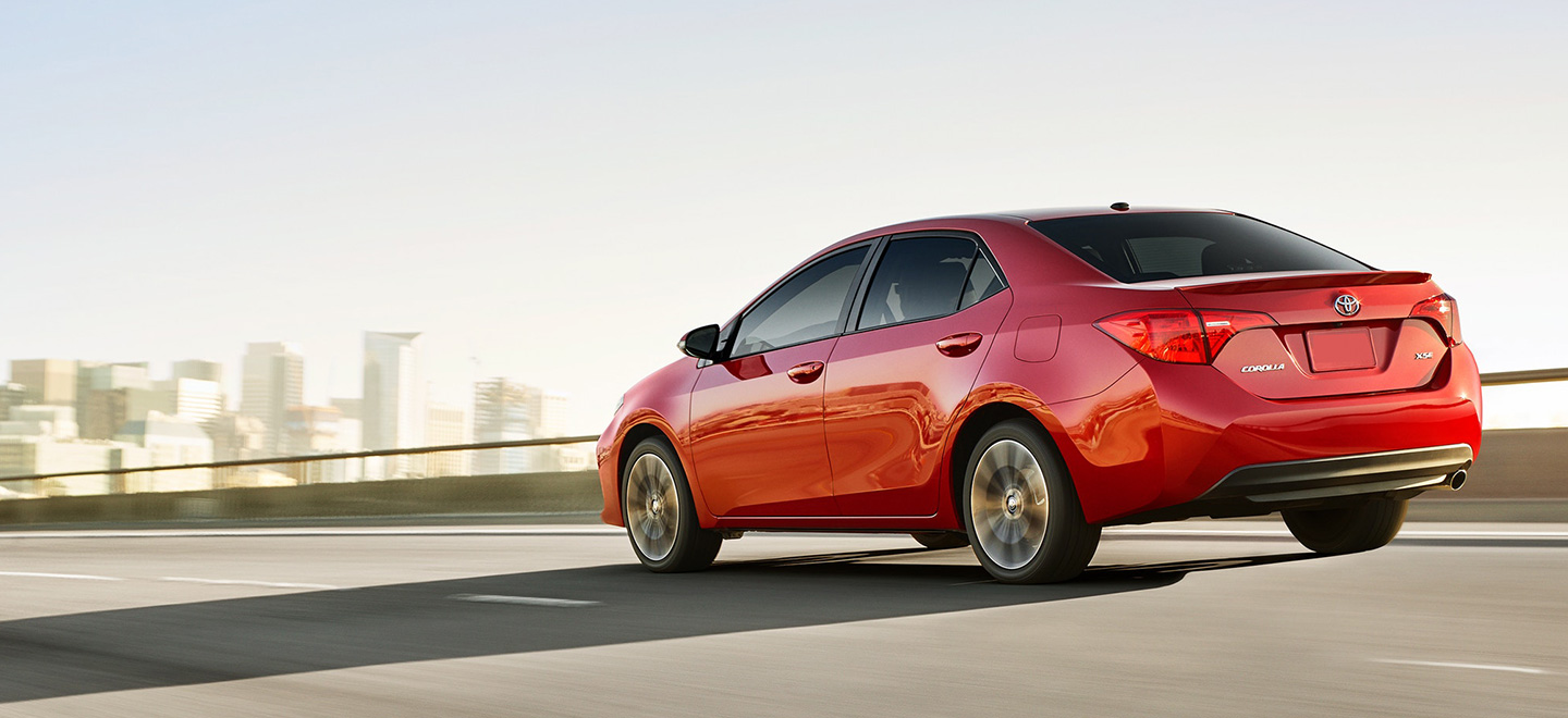 Discover the 2019 Toyota Corolla specs and features at Lipton Toyota near Fort