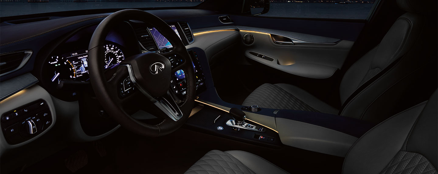 Front and passenger seating of the 2019 INFINITI QX50