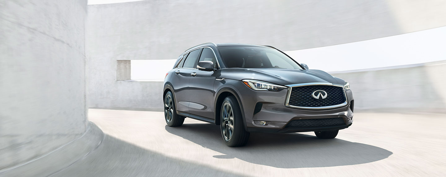 Front of the 2019 INFINITI QX50 driving down a ramp