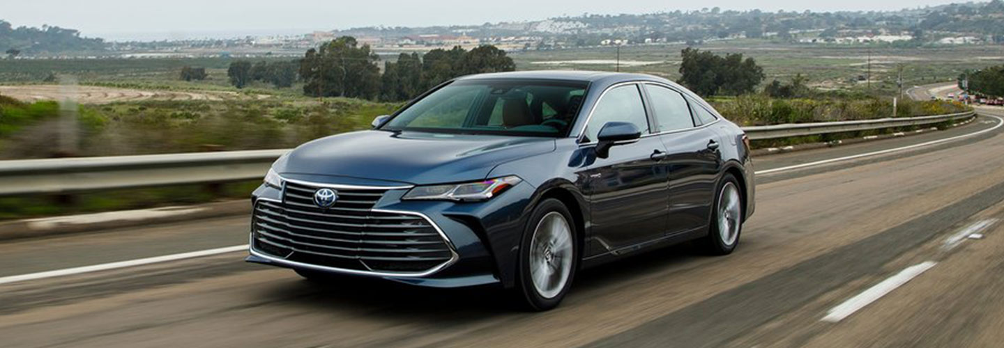 Exterior of the 2018 Toyota Avalon at Rivertown Toyota near LaGrange, GA