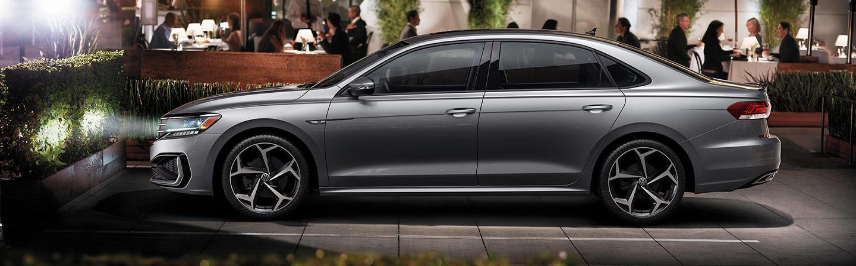 2020 VW Passat side view