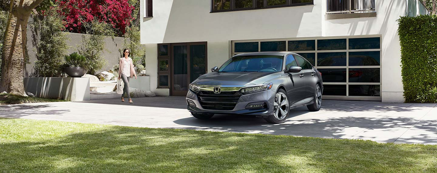 Front of the 2018 Honda Accord parked