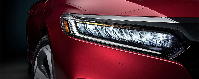 Right side headlight of the 2018 Honda Accord
