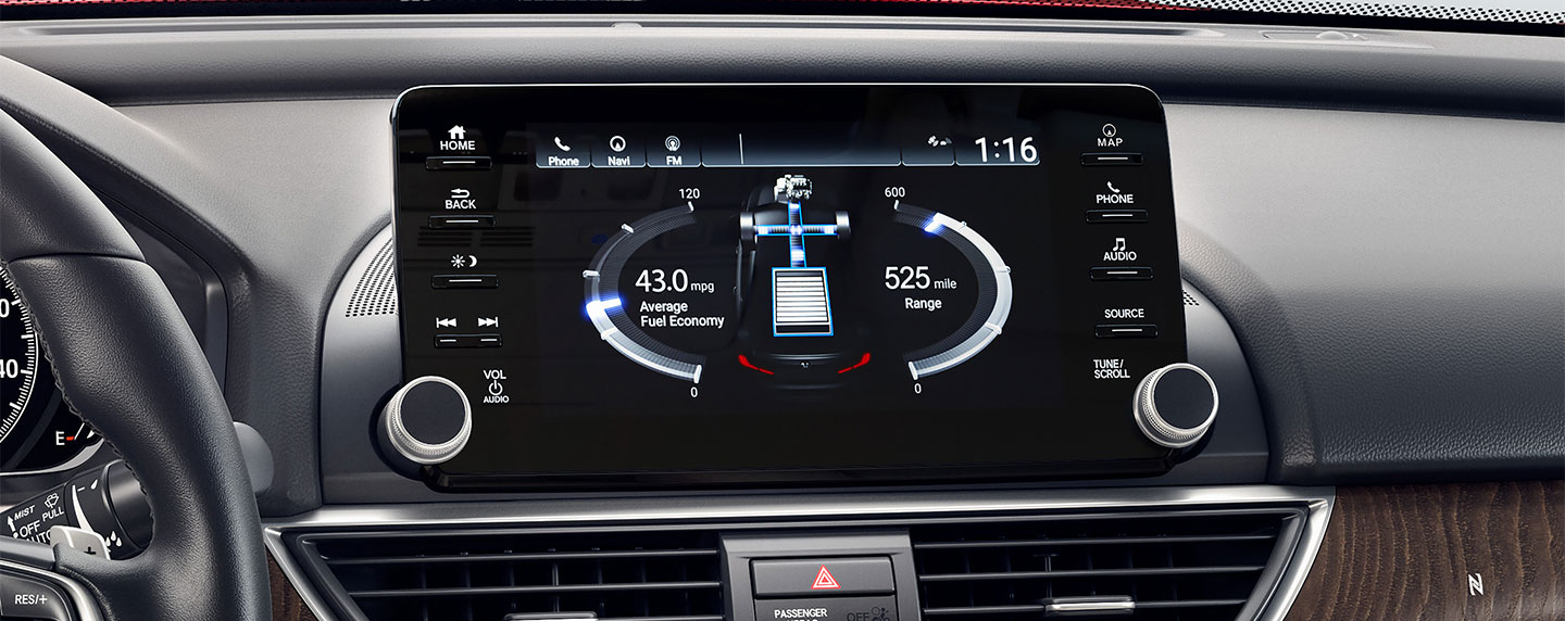 Interior touch screen and dashboard of the 2018 Honda Accord