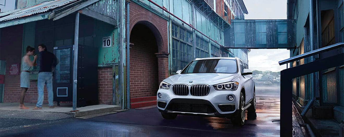 Front of the BMW X1 driving