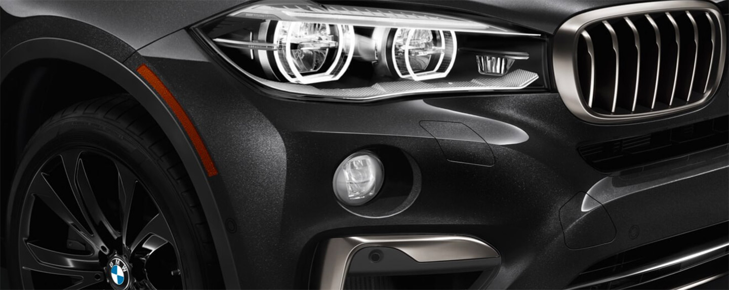 Right side headlight of the BMW X6