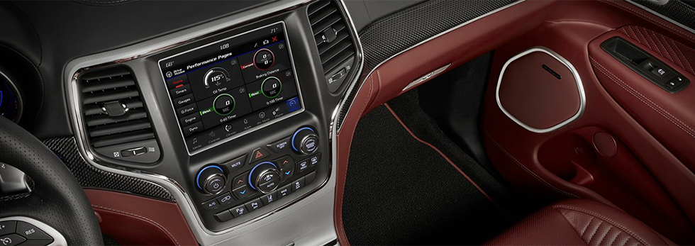 2018 JEEP GRAND CHEROKEE LUXURY MATERIALS INFOTAINMENT CONNECTIVITY