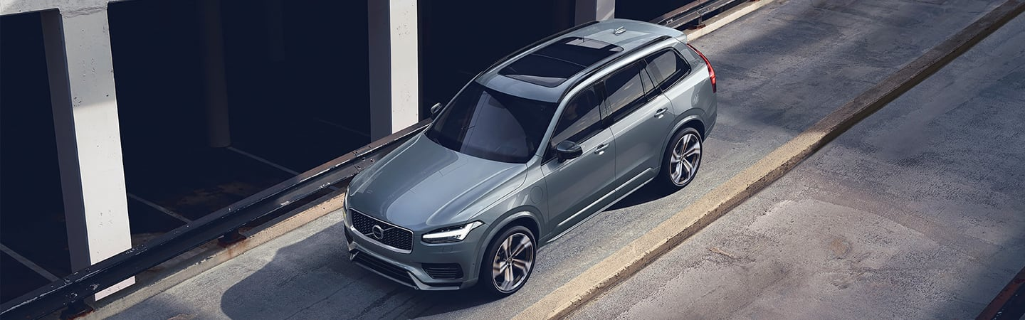 Aerial view of the 2020 Volvo XC90 in motion