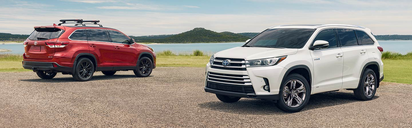 Exterior of the 2019 Toyota Highlander at Rivertown Toyota