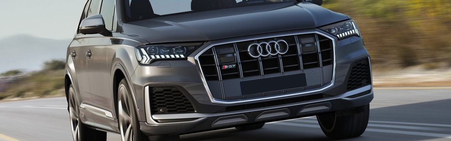 Front profile view Audi Q7