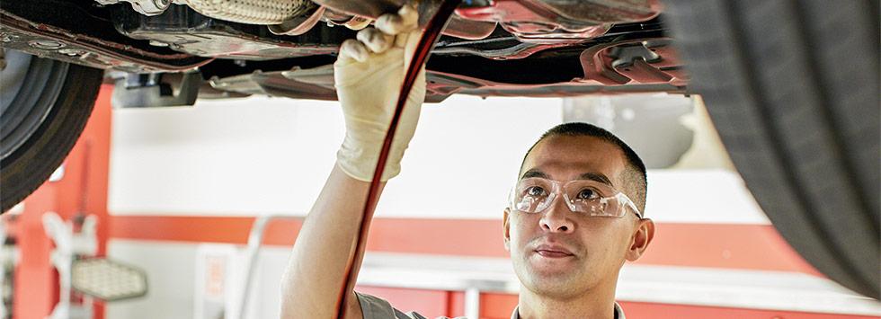 Oil change service at Rivertown Toyota near LaGrange, GA and Auburn, AL