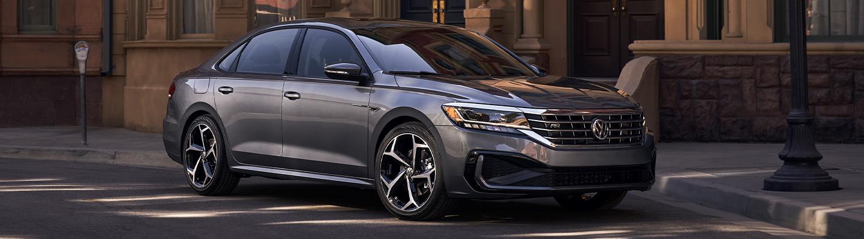 2020 Volkswagen Passat 2.0t R-Line in motion