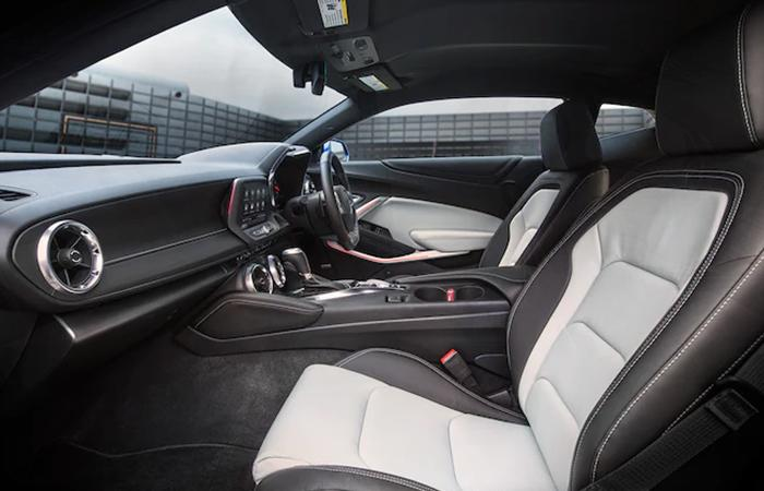 Side view of the passenger and driver's seat in the 2021 Chevy Camaro