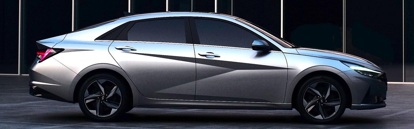 Side profile of a Sliver 2021 Elantra