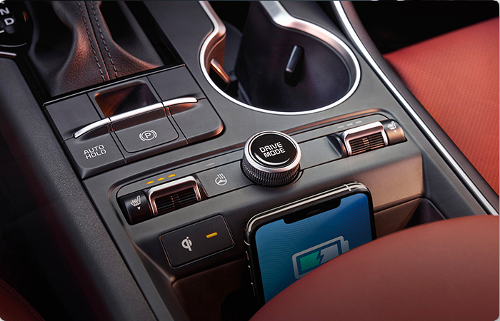 Close up view of the center console of the Kia K5