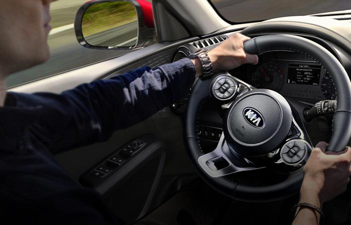 2021 Kia Soul's close up view of the steering wheel