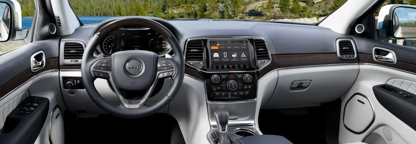 Interior image of the 2020 Jeep Grand Cherokee.
