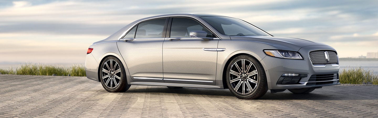 Side profile of the 2019 Lincoln Continental parked at Coccia Lincoln