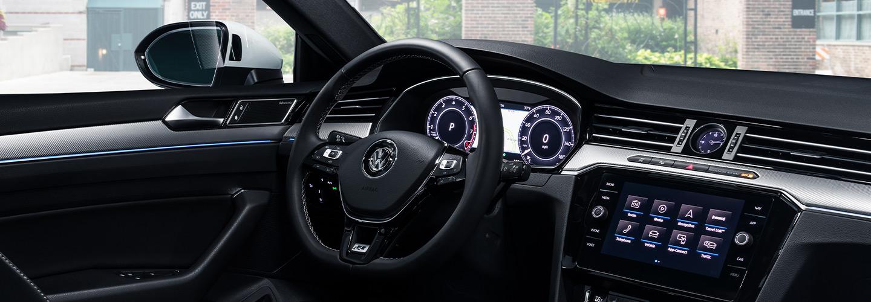 2019 Volkswagen Arteon Interior - Dash, Steering Wheel, and Technology
