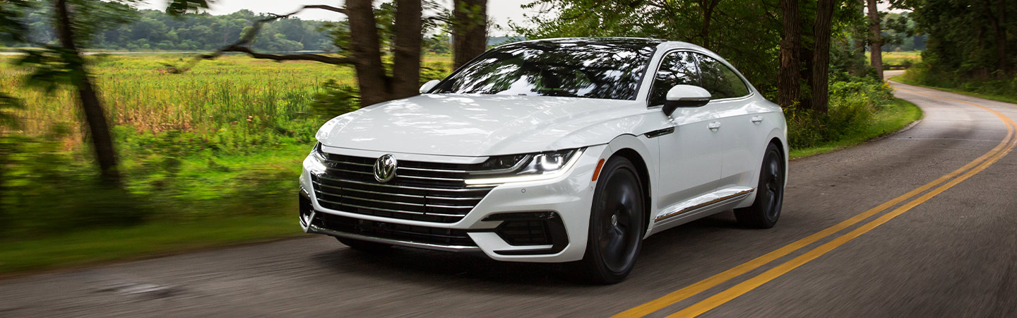 2019 Volkswagen Arteon - White - Driving on the road