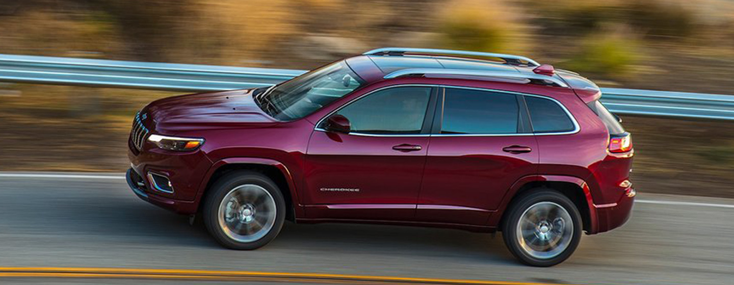 2019 Jeep Cherokee Exterior - Driving